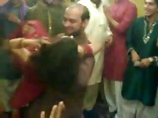 समलैंगिक थूक स्वैप बुत खेल सेक्सी वीडियो मूवी हिंदी में में दो किशोर ब्रूनेट