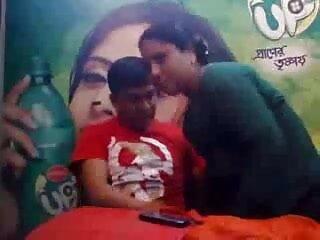 हॉट गर्ल नेक्स्ट डोर टाइप वेबकैम सेक्सी मूवी फिल्म हिंदी में पर गंदा हो जाता है