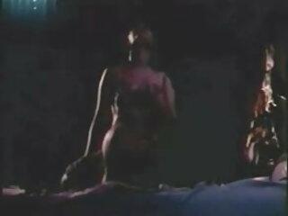 संचिका निकोल रीड उसके बड़े ब्लू फिल्म फुल सेक्सी वीडियो स्तन के साथ खेलता है