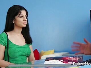 लिविया गोडिवा सींग फुल सेक्सी मूवी हिंदी में वाली लड़की