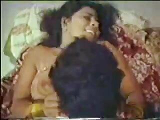 बालों वाली एशियाई भोजपुरी हिंदी सेक्सी मूवी एक विशाल सह लोड लेता है