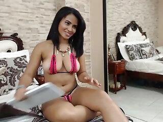 वेब कैमरा लड़की अमांडा खेल सेक्सी फुल मूवी वीडियो रहा है