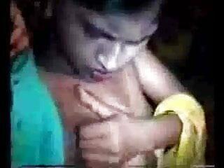 प्रेमिका बाथरूम सेक्सी मूवी हिंदी में वीडियो में चूसना