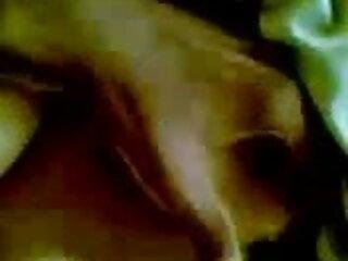 डीपी सेक्सी फिल्म वीडियो फुल के साथ अंतरजातीय एफएमएम त्रिगुट में गर्म कुतिया