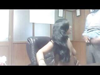 मुलायम बी-कप श्यामला काला मुर्गा हिंदी मूवी फिल्म सेक्सी फिल्म चूसता है और फिर डॉगी-स्टाइल ड्रिलिंग के लिए झुकता है