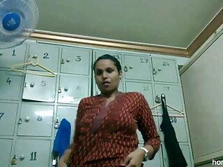 पेंटी सेक्सी बीएफ वीडियो फुल मूवी स्निफर लड़की के लॉकर रूम में फंस जाता है