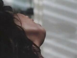 बारबरा मूवी सेक्सी फिल्म वीडियो में