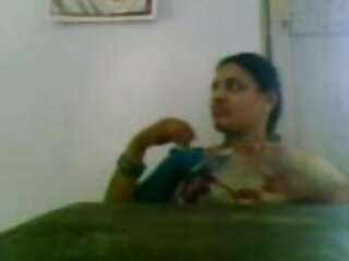 रकील इवांस - हिंदी वीडियो सेक्सी मूवी लिंडा